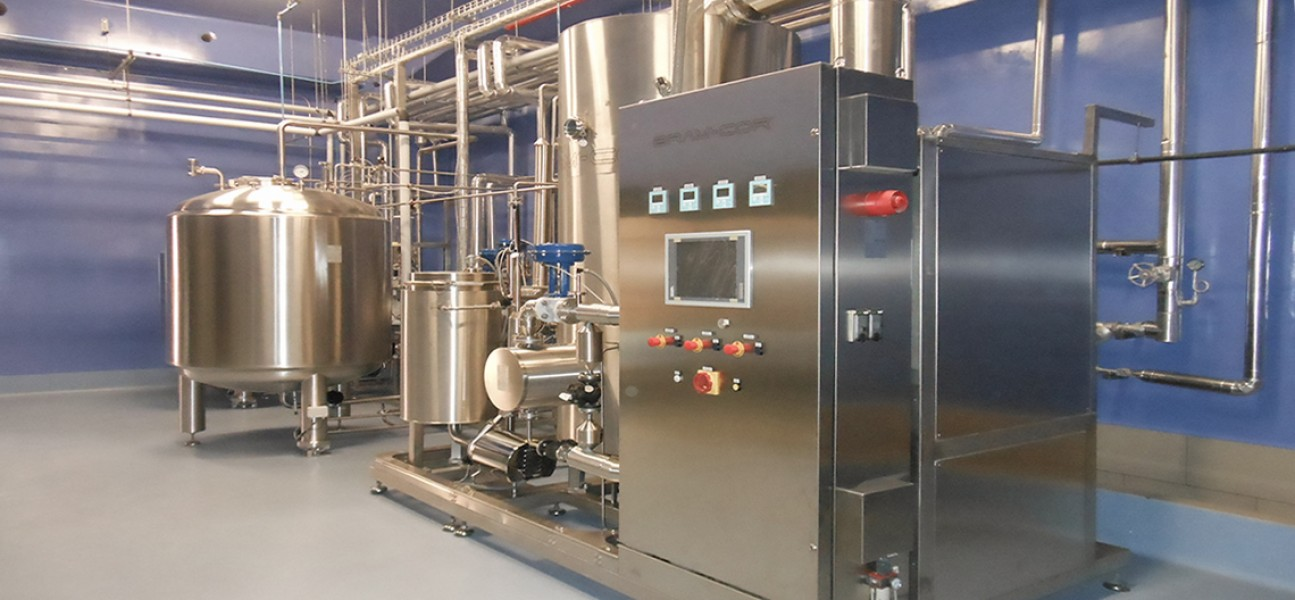 Bram-Cor Pharmaceutical Equipment - Vapor Compression Distiller and storage tank